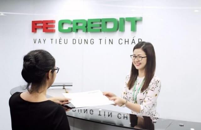 vay tiền sinh viên tại FeCredit